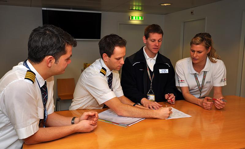 Предполетная подготовка пилотов